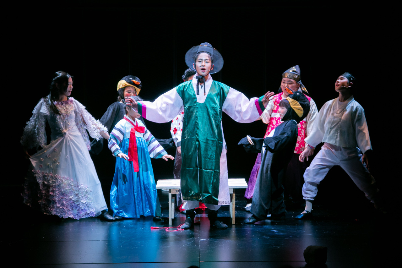 Cast members of a Filipino Korean musical perform on stage at CJ Azit Auditorium in Jongno, Seoul, Sunday. (Karl Garcia Photography)
