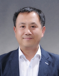 Kim Min-ho, director of Korea Agro-Trade Center, Paris
