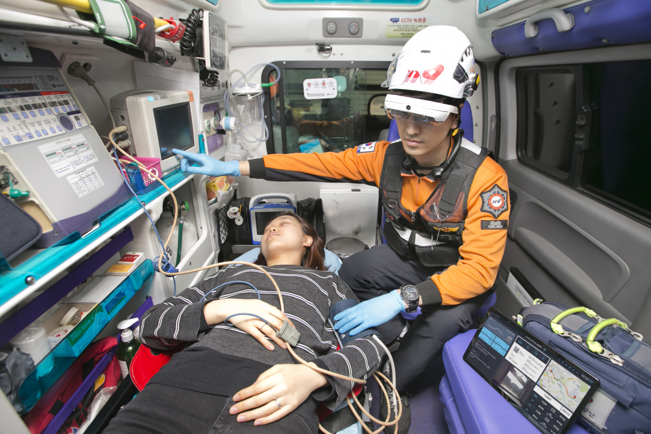 KT, National Fire Agency and Severance Hospital develop an emergency medical system using 5G and information and communications technology. (KT)