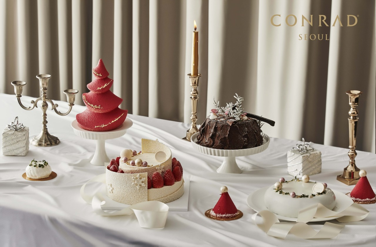 Christmas cakes from Conrad Seoul