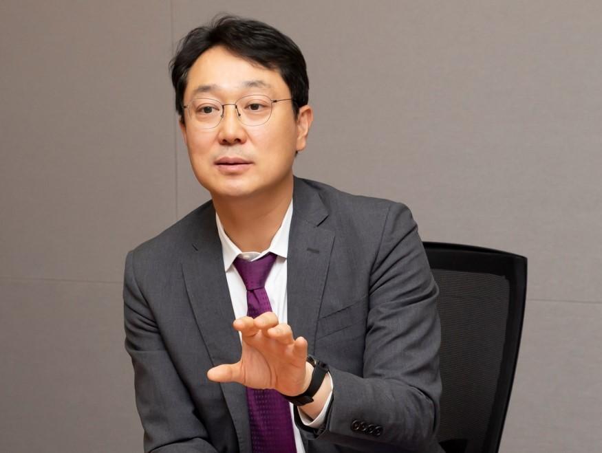 Kang Sin-wook, a partner at law firm Shin & Kim (Shin & Kim)