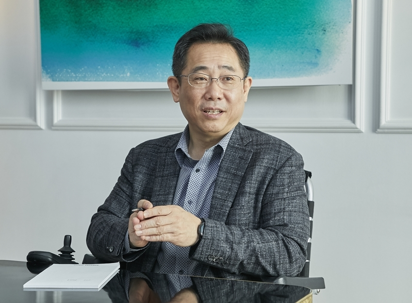 Chung Eui-suk, head of Samsung's mobile division's software R&D (Samsung Electronics)