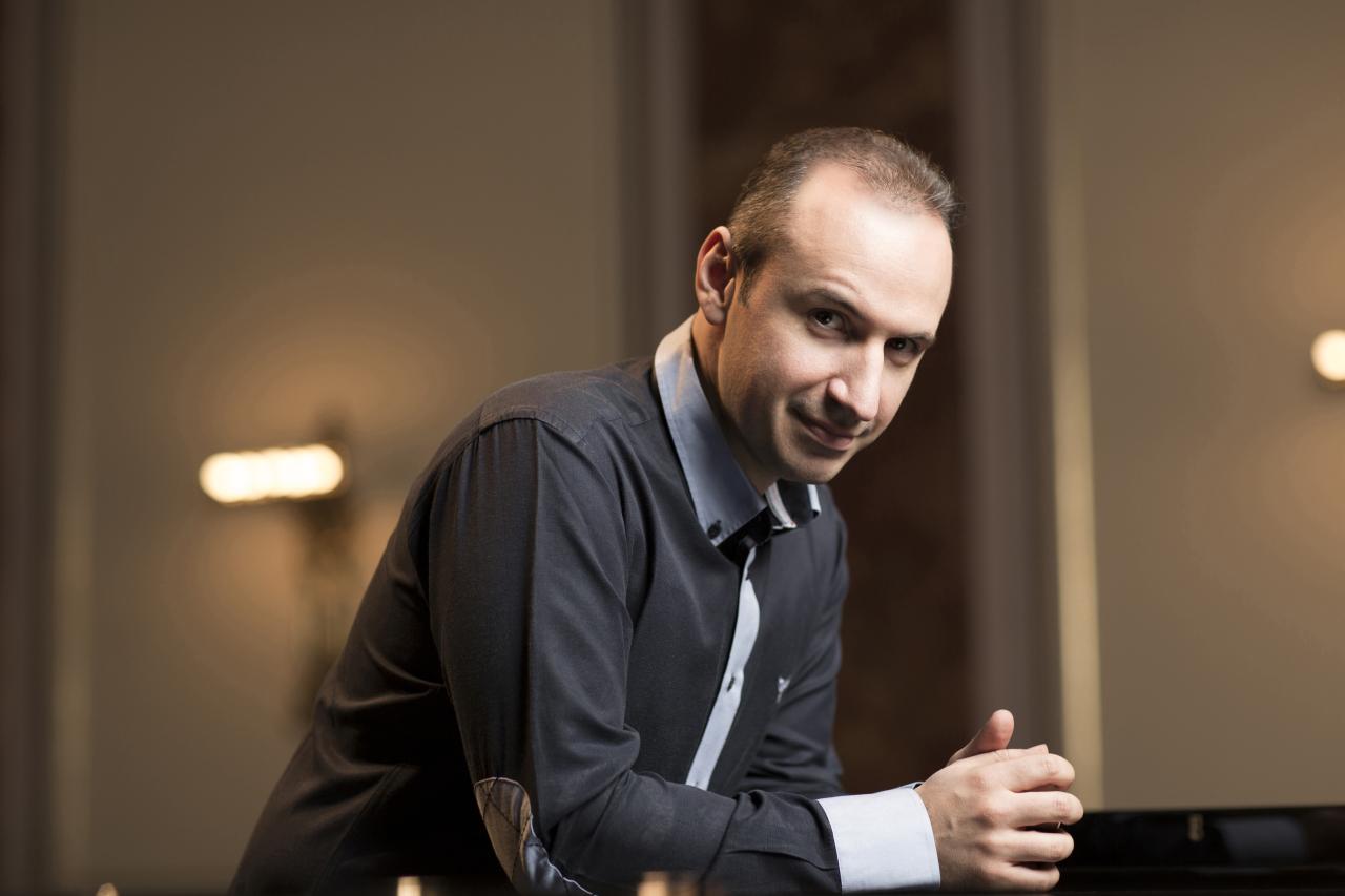 Pianist Simon Trpceski (B. Ealovega / KulturO)