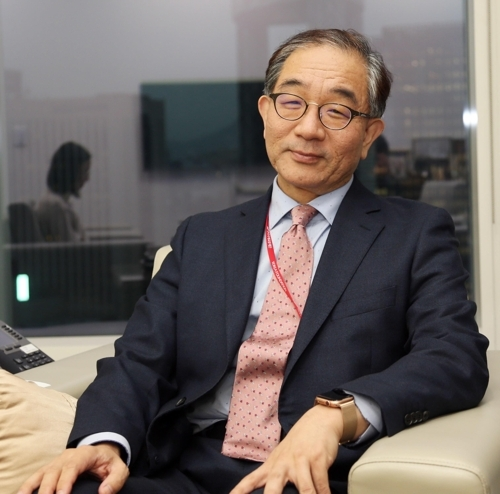 Lee Geun, chief of the Korea Foundation, speaks during a New Year interview in Seoul on Wednesday. (Yonhap)