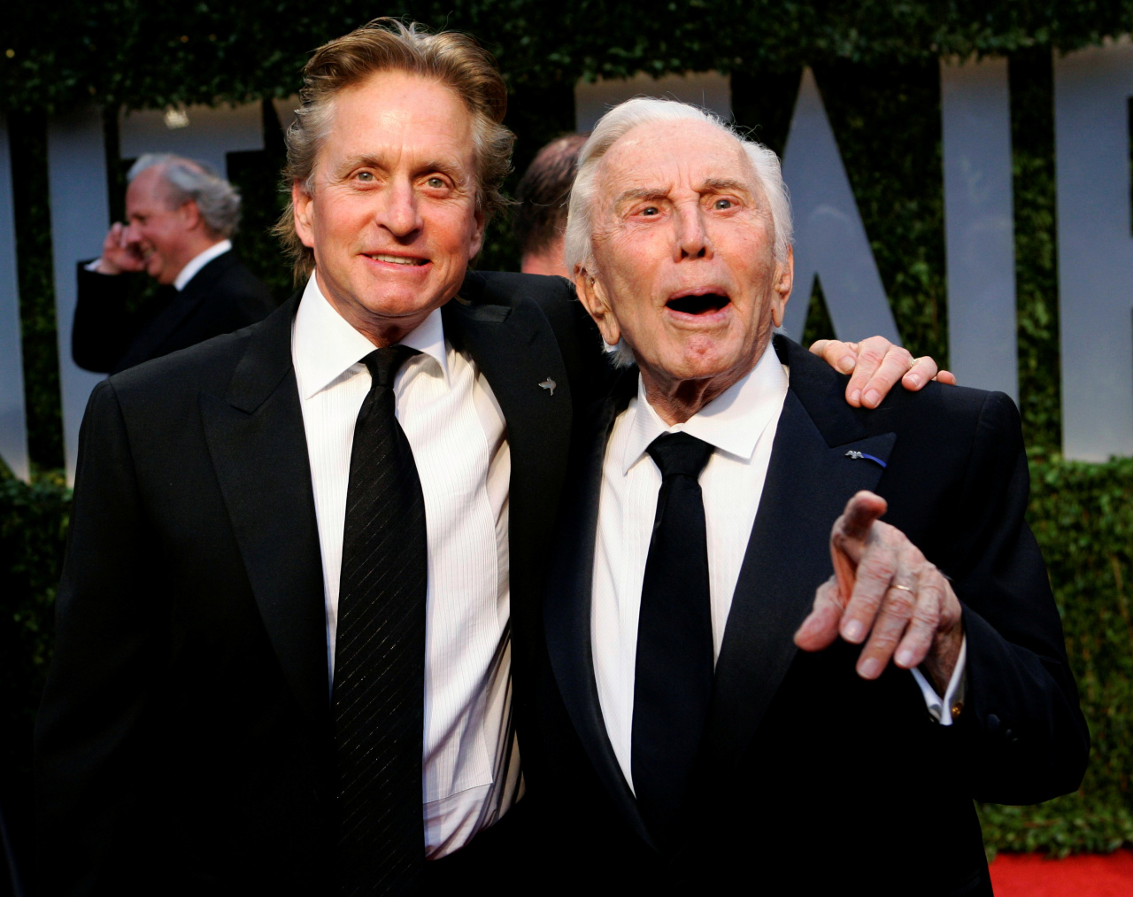 Kirk Douglas (right). (Reuters-Yonhap)