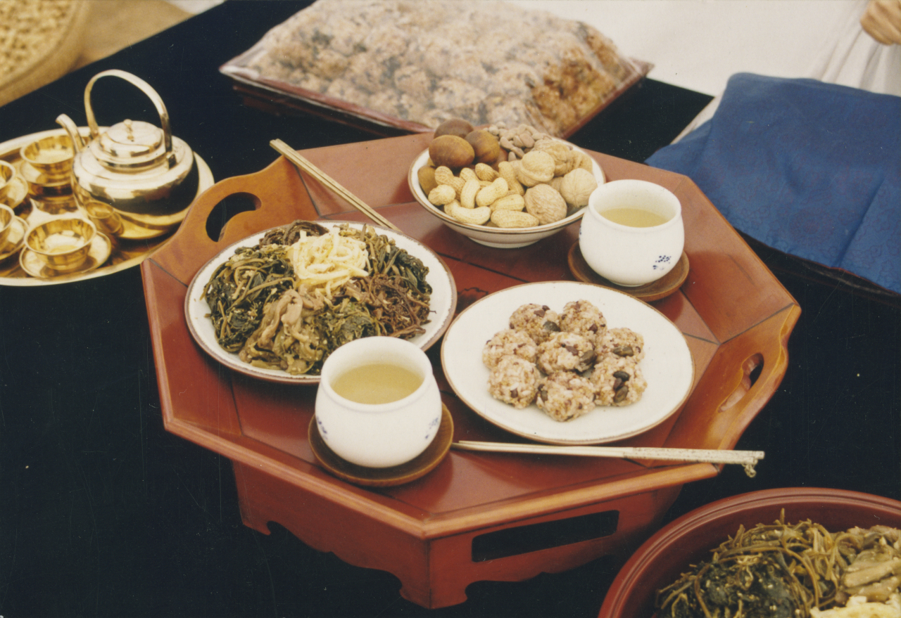 Traditional Jeongwol Daeboreum food (National Folk Museum of Korea)