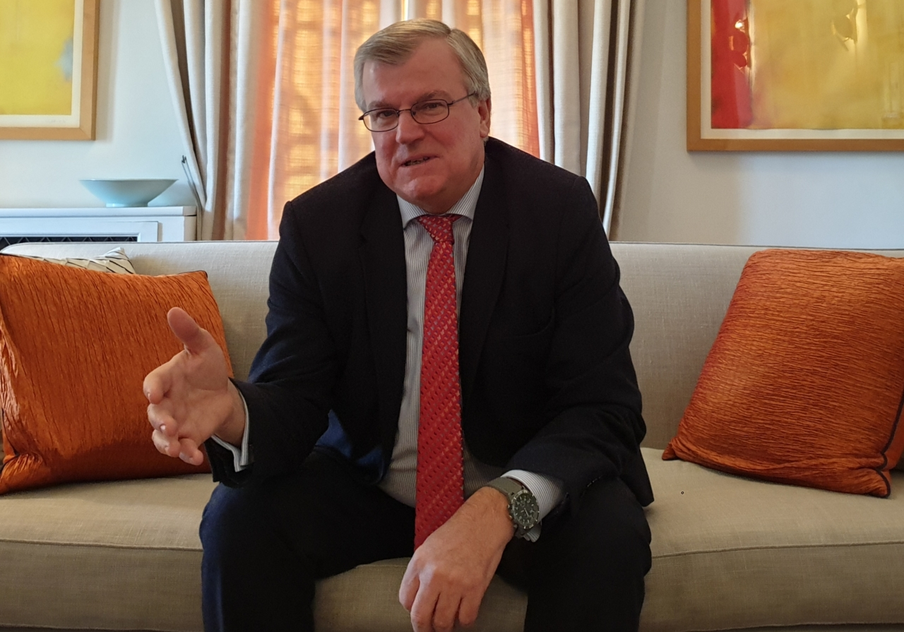 UK Ambassador Simon Smith speaks during an interview with The Korea Herald at the ambassador's residence in central Seoul on Feb. 6. (Kim Bo-gyung/The Korea Herald)