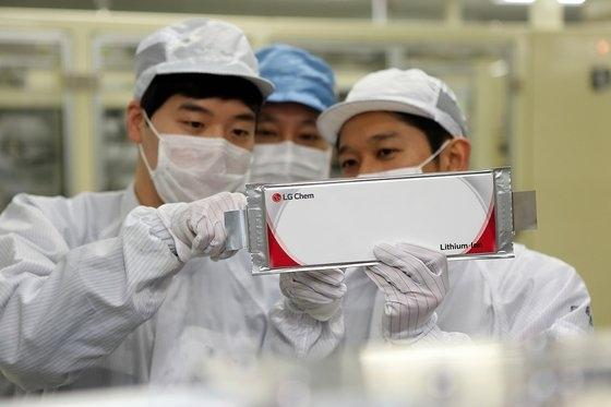 LG Chem`s battery pack for electric vehicle (LG Chem)
