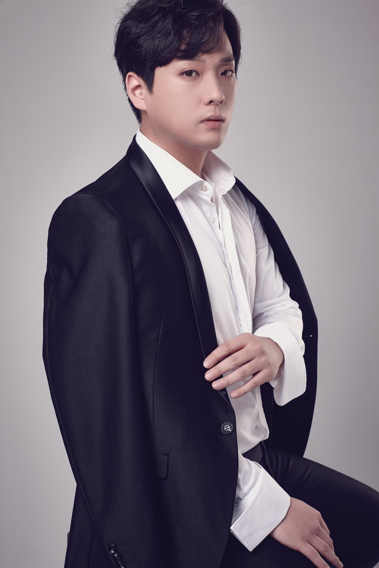 Baritone Kim Ju-taek (Arts&Artists)