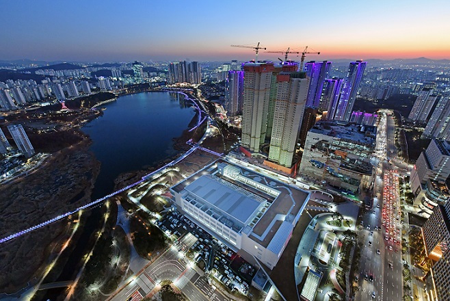 Suwon Convention Center, a hub for MICE industry (Suwon City)