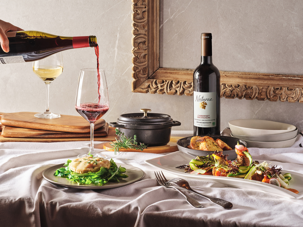 Grand InterContinental Seoul Parnas offers vegan wine and pairings at its Lobby Lounge & Bar. (Grand InterContinental Seoul Parnas)