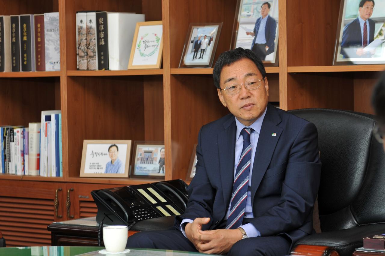 Sokcho Mayor Kim Chul-soo (Sokcho City)
