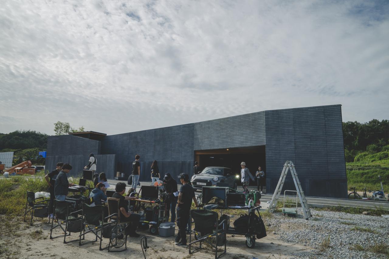 """Film """"Parasite"""" in production at the Jeonju Film Studio Complex in 2018 (Jeonju Studio)"""
