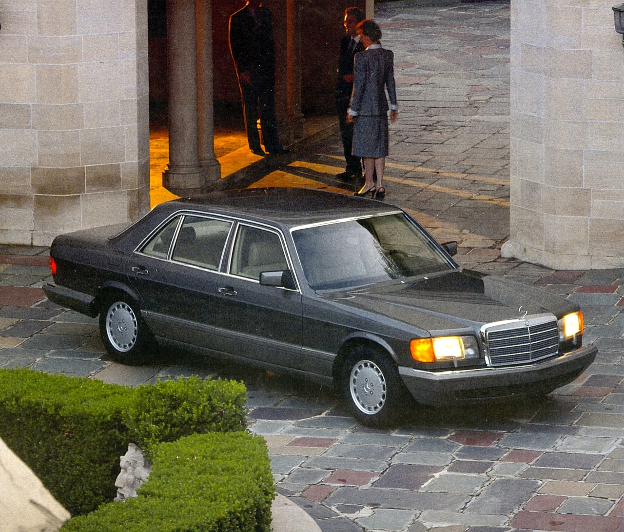Mercedes-Benz 2nd generation S-Class (Mercedes-Benz)
