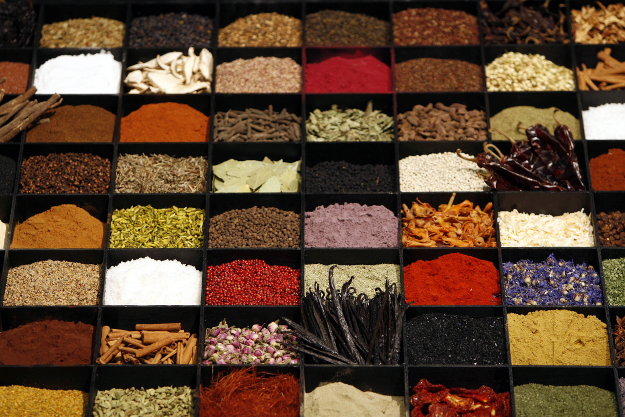 In this July 11, 2006, file photo, a display of spices lends color to a section of the Fancy Food Show in New York City. (AP-Yonhap)