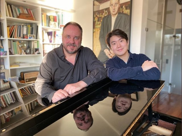 Baritone Matthias Goerne (left) and pianist Cho Sung-jin (Universal Music)