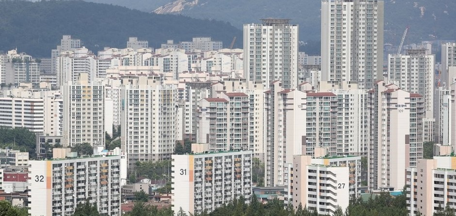 Apartment complexes in Seoul. (Yonhap)