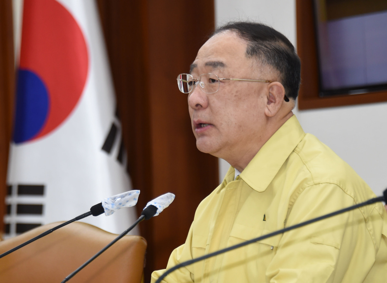 Deputy Prime Minister and Finance Minister Hong Nam-ki on Thursday chairs a meeting of economy-related ministers at Seoul Government Complex. (Yonhap)