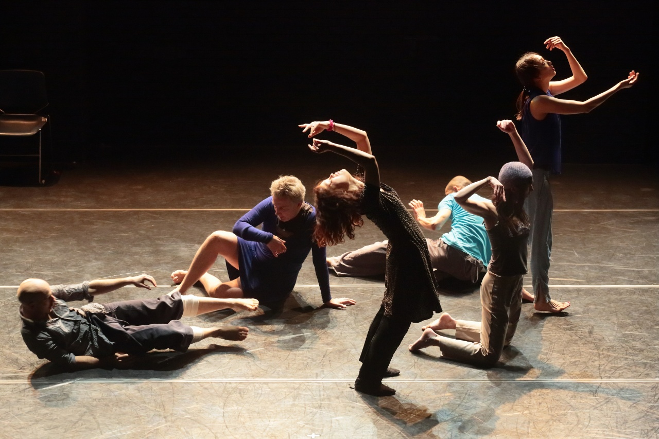 Dancers showcase improvisation dance (Seoul International Improvisation Dance Festival)
