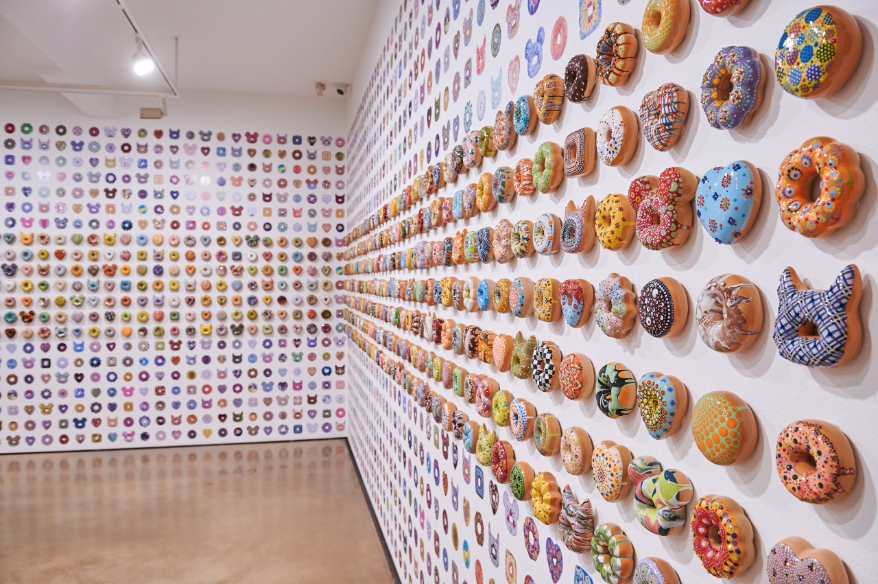 "Exhibition view of ""Donut Fear"" at Hakgojae Gallery (Hakgojae Gallery)"