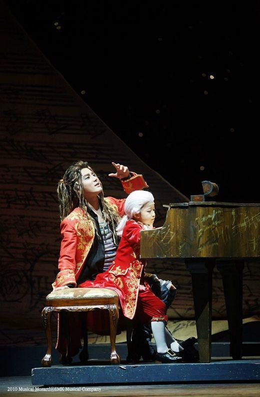"""Kim Jun-su in """"Mozart!"""" (EMK)"""
