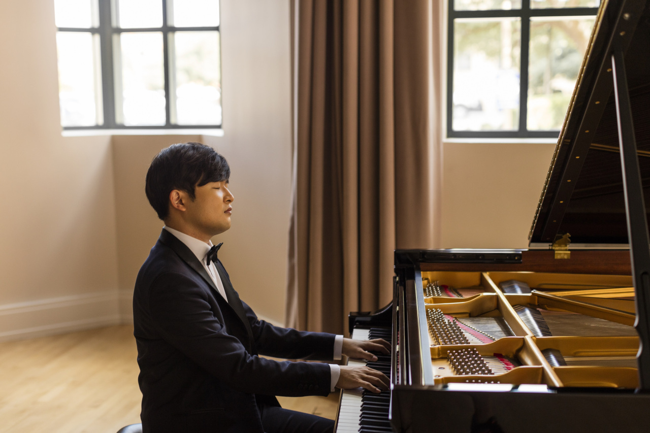 Pianist Sunwoo Yekwon (Jeremy Enlow / Mast Media)