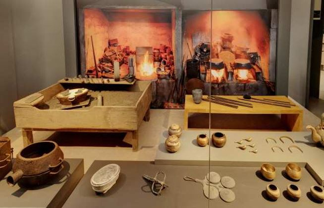 """A re-created workshop in the """"Traditional Craftsmanship"""" exhibition hall (CHA)"""