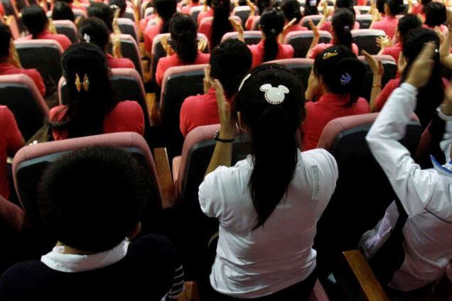 North Korean refugees take a class at the Korea Hana Foundation, where they stay for a certain period before entering the society in the South. (Reuters file photo)
