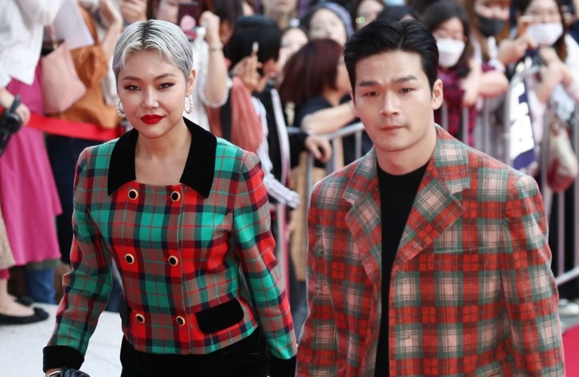 Rapper Cheetah (left) and director Nam Yeon-woo attend the `2019 Asia Contents Awards` held in Busan on Oct. 6, 2019. (Yonhap)