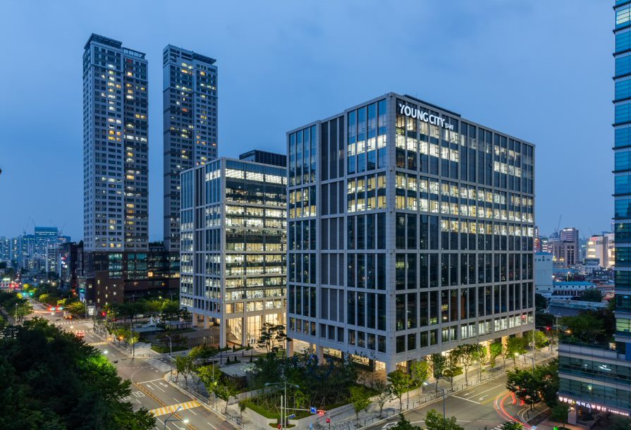 A night view of Young City office complex (Cushman & Wakefield Korea)