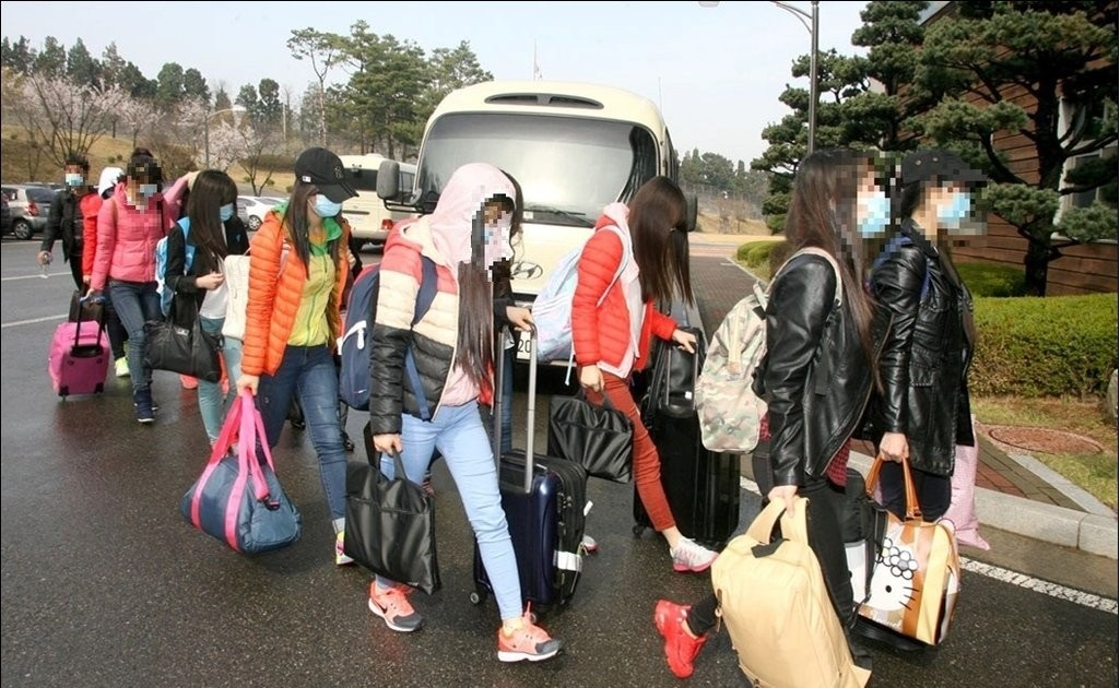 North Korean restaurant workers who defected to South Korea (Yonhap)