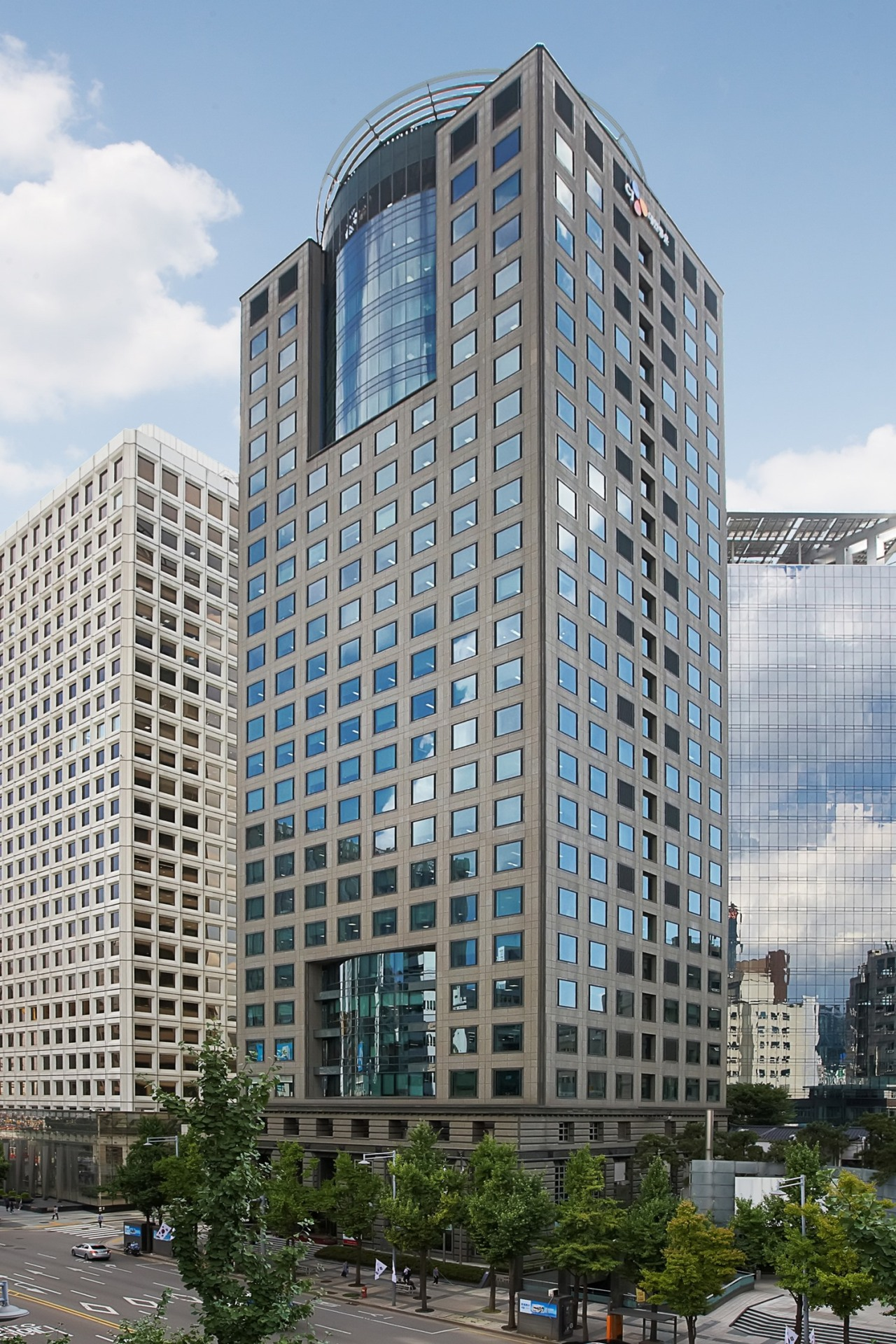 An exterior view of Taepyeongno Building in central Seoul. (IGIS Asset Management)