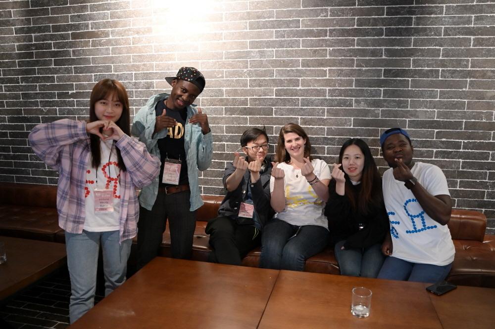 "Participants in the 2019 ""Nonjangpan"" contest (KOCIS)"