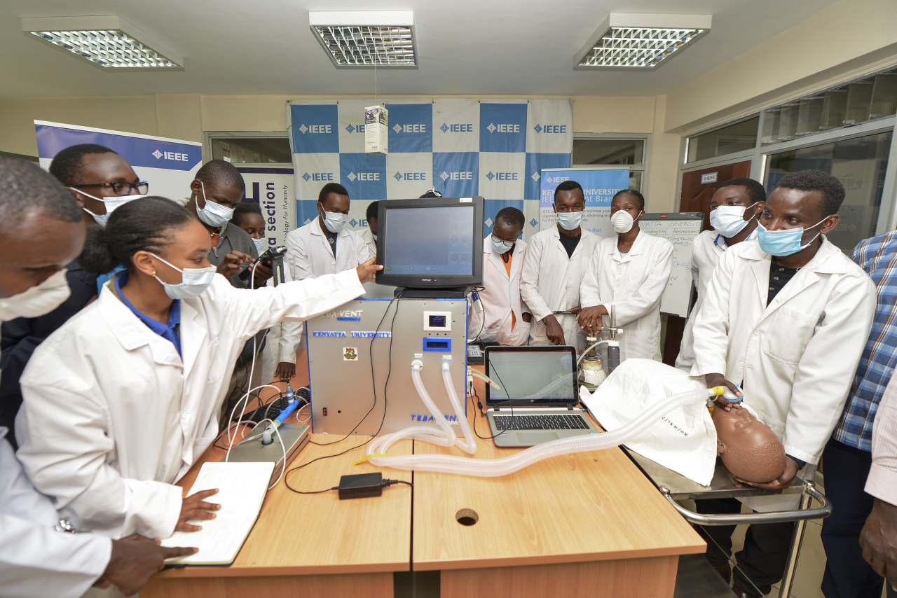 Medical students test a self-designed computer-controlled ventilator prototype at the Chandaria Business and Incubation Centre of Kenyatta University in Nairobi, Kenya. (AP-Yonhap)