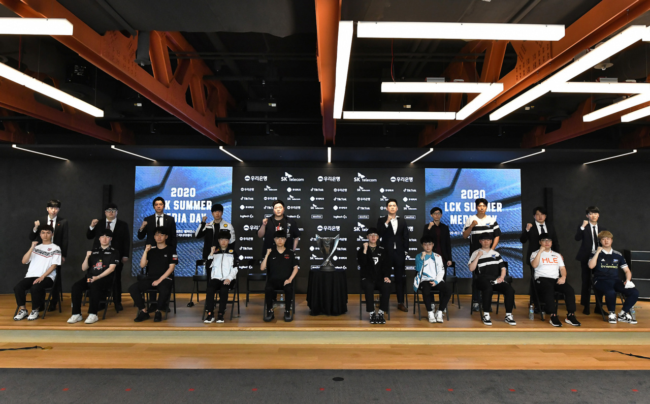 Ten LCK teams gathered Friday to share their resolutions for the summer season. (Riot Games)