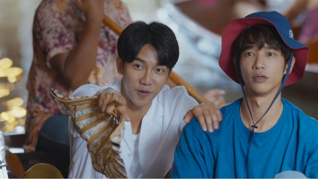 "Lee Seung-gi (left) and Jasper Liu in ""Twogether"" (Netflix)"