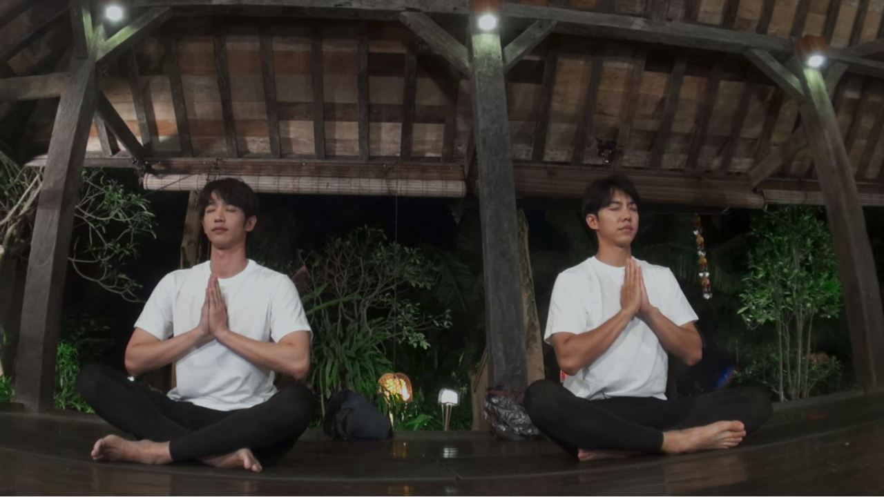 "Lee Seung-gi (right) and Jasper Liu in ""Twogether"" (Netflix)"
