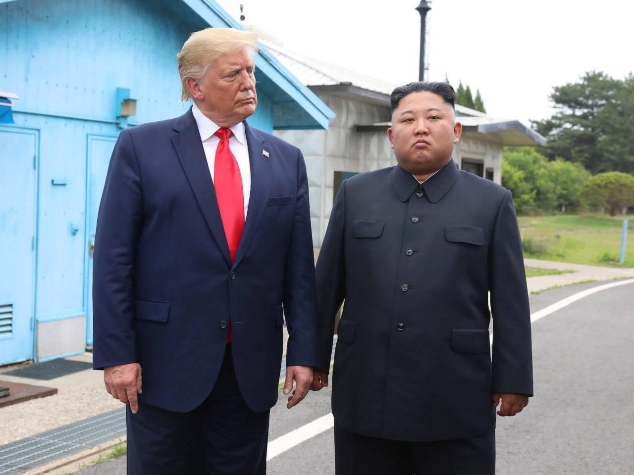 US President Donald Trump (right) and North Korean leader Kim Jong-un (Yonhap)