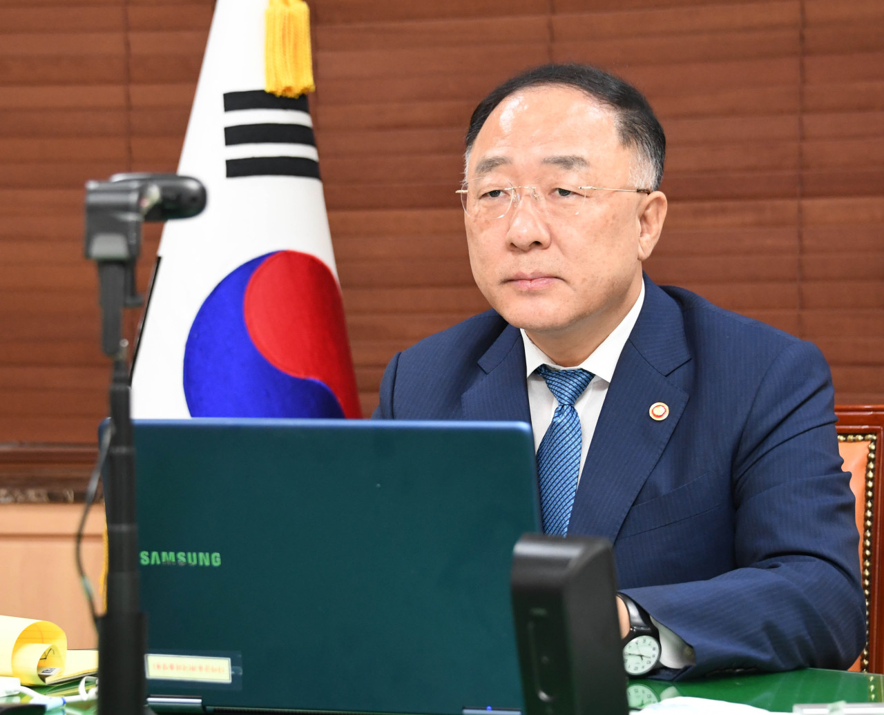 Deputy Prime Minister and Finance Minister Hong Nam-ki speaks at an online meeting with finance ministers from Group of 20 countries and Paris Club creditor nations at the Seoul Government Complex on Thursday. (Ministry of Economy and Finance)