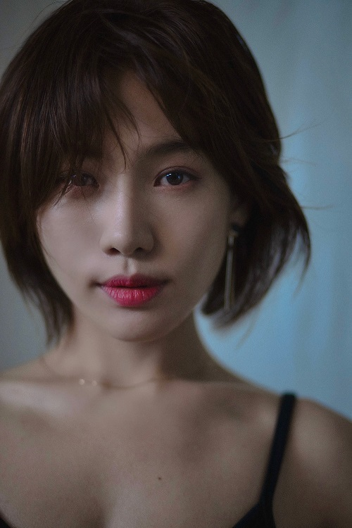 Choi Hee-seo, also known as Moon Choi (Ungbin ENS)