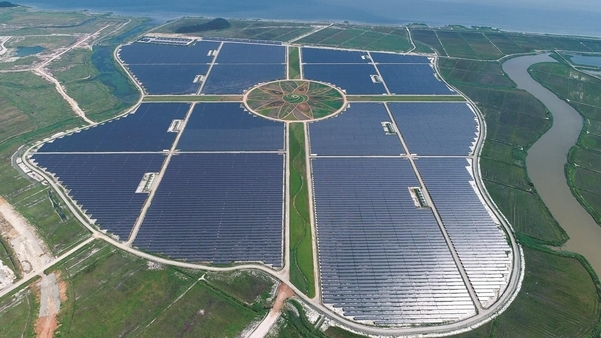 Korea's biggest solar power plant in Haenam, South Jeolla Province, made using Chinese solar cells (Hanyang)