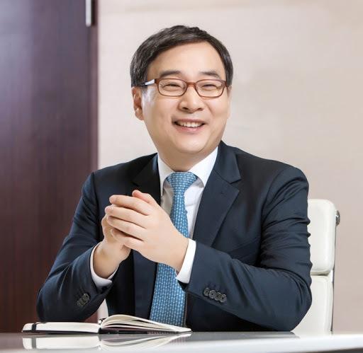 K bank CEO Lee Moon-hwan (K bank)