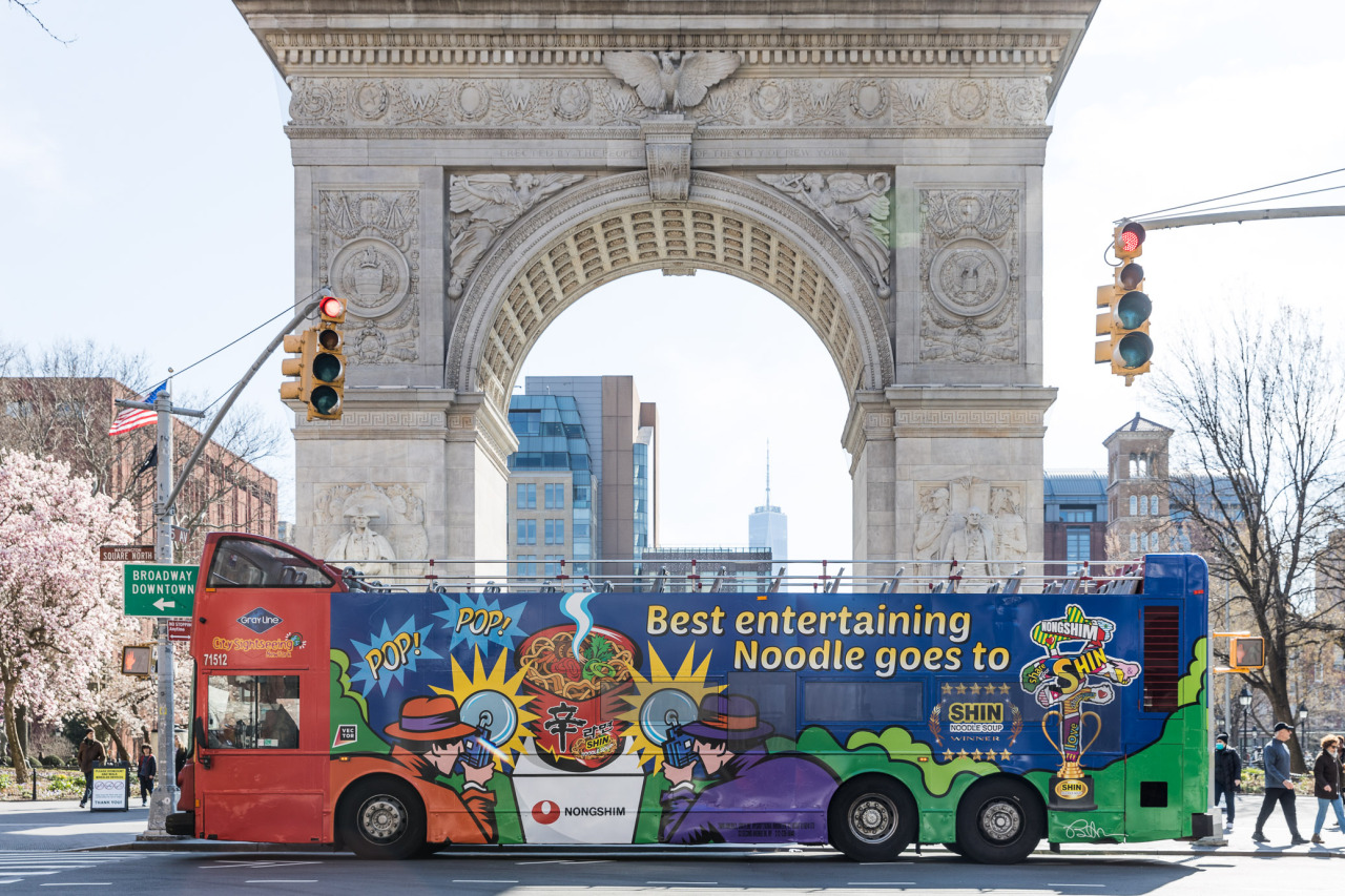 Nongshim operated an advertisement bus for Shin Ramyun in the US. (Nongshim)