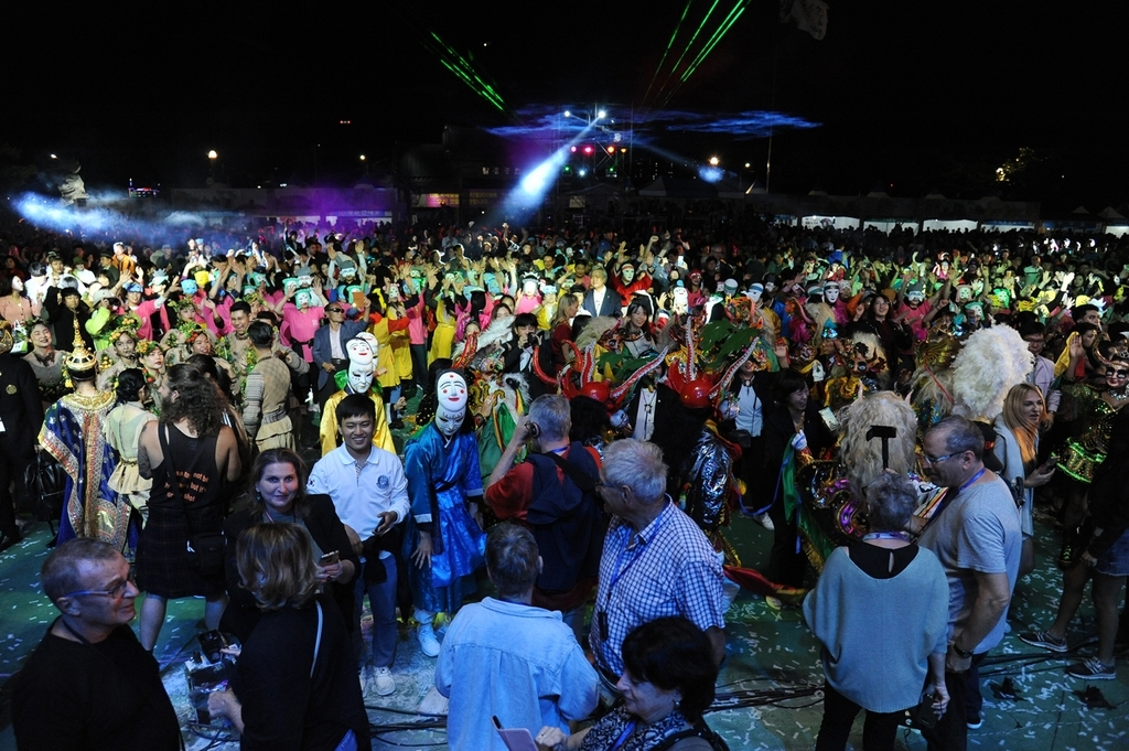 Over 1 million visitors attended the Andong Mask Dance Festival in 2019. (Andong City government)