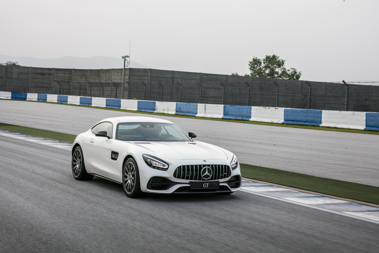 Mercedes-Benz's new version of the classic AMG GT 2-Door Coupe sports car (Mercedes-Benz Korea)