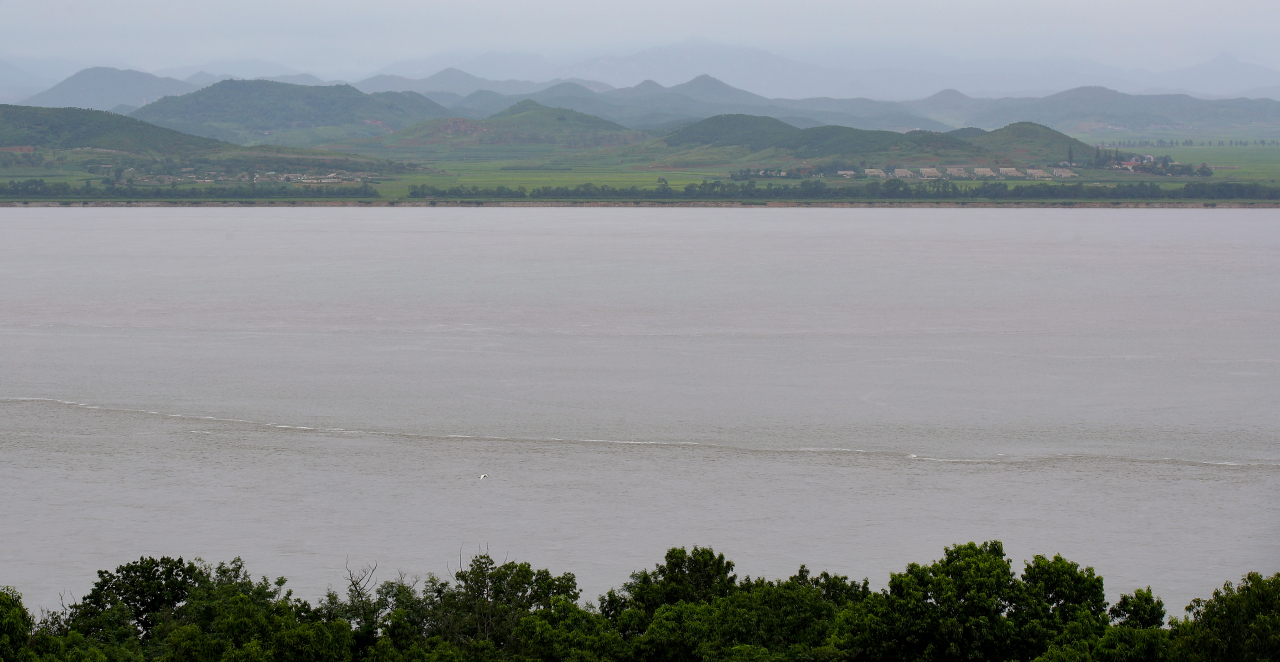 The Han Riverruns between Ganghwa Island and North Korea's North Hwanghae Province, in this photo taken on Monday. (Yonhap)