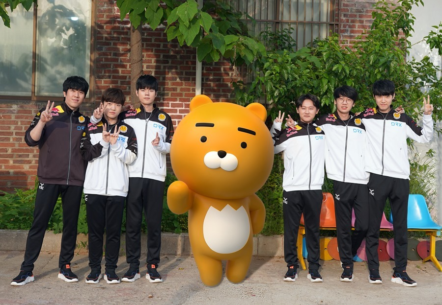DRX posted a picture with Kakao character Ryan on its Facebook page after signing a sponsorship deal on June 9. (Facebook)