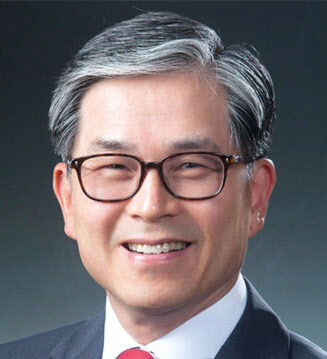 Choi Seok-young, former ambassador to the South Korean Permanent Mission in Geneva, who has been appointed as honorary ambassador for economy and trade (Yonhap)