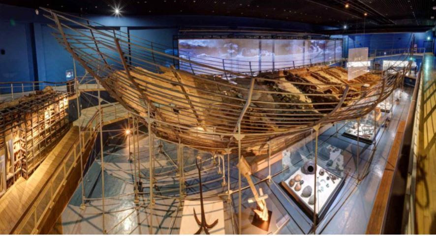 Sinan ship from China, which was wrecked in 1323 (National Research Institute of Maritime Cultural Heritage)