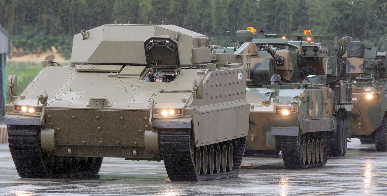 Infantry fighting vehicle Redback, developed by Hanwha Defense for the Australian Army, makes its public debut at a rollout ceremony in Changwon, South Gyeongsang Province, July 24, 2020.Australia will make a final offer on the Korean-made vehicles by late 2022. (Yonhap)